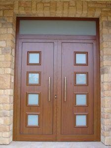 Puerta de calle panel